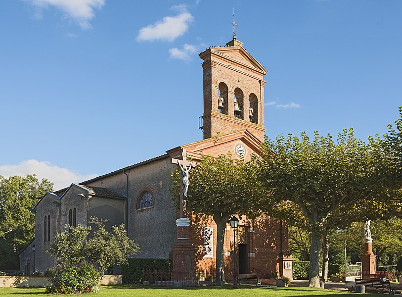 English:  Chuch Saint-Saturnin of Merville, Haute-Garonne France