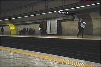 Colosseo (Rome Metro) - Image: Metro colosseo 2 17102007