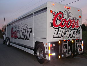 300px Mickey Body 16 bay Coors Light Coors Light   Cerveza Oficial del Coliseo