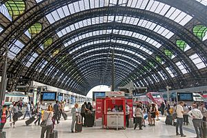 Milan Central railway station - The roof of the central section