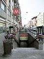 Milano metropolitana Lima scala Buenos Aires.JPG