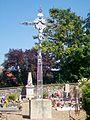Monceaux (60), croix de cimetière, au cimetière, place de l'Église.jpg