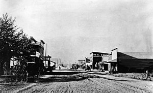 Monrovia, California - Monrovia, 1886 (Myrtle Avenue, looking north)