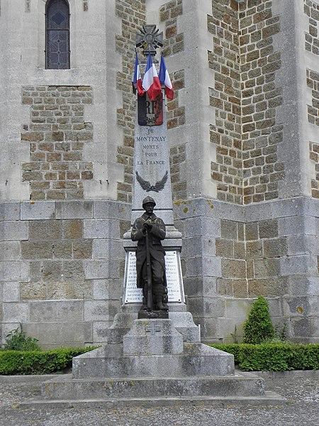 Monument aux morts de Montenay (53).