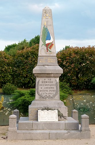 Andoins - The War Memorial