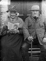 Mr and Mrs Mathew, Crossways, Castellnewydd Emlyn
