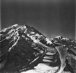 Muldrow Glacier, valley glacier with ogives, August 24, 1979 (GLACIERS 5198).jpg