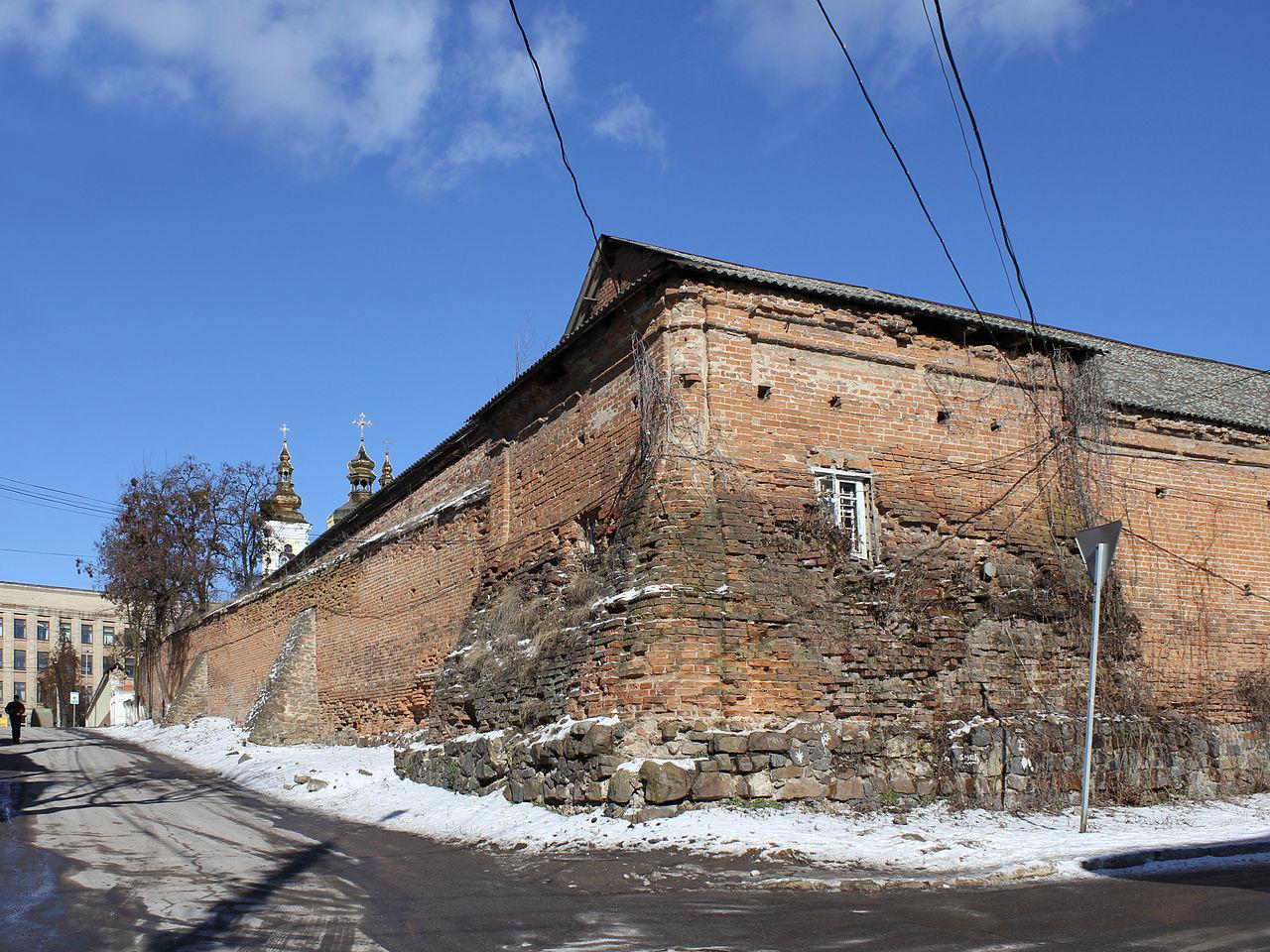 Муры, сохранившаяся часть крепости