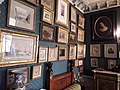 Musée Gustave-Moreau, chambre à coucher, tableaux.jpg
