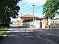 Nedrahovice, silnice a zastávka.jpg