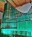 Neusäß, St. Ägidius (Hindelang-Orgel bei Nacht, türkis) (3).jpg
