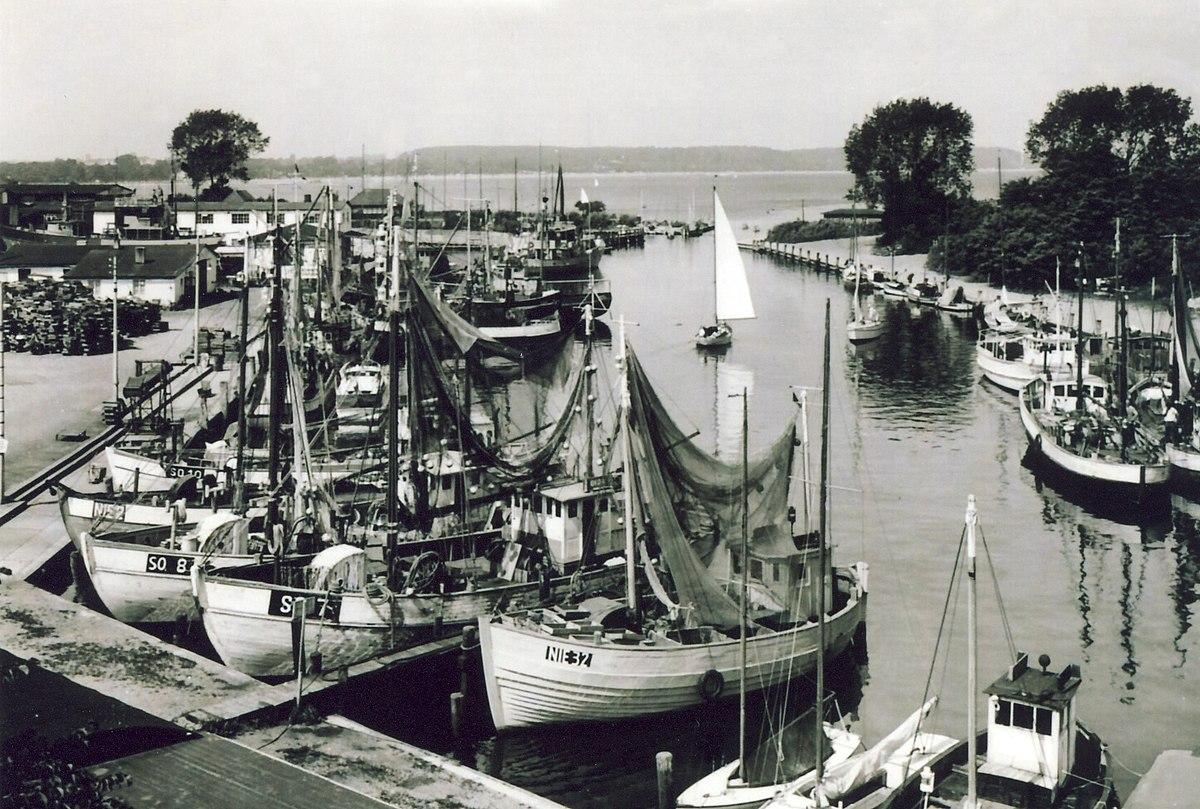 Niendorfer Hafen – Wikipedia