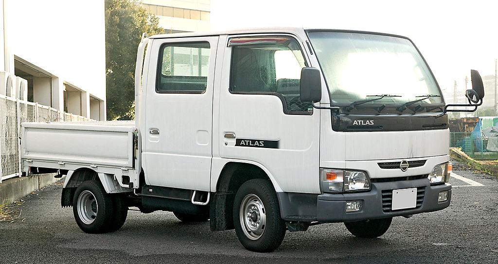Nissan Atlas F23 003