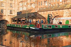 Fellows Morton and Clayton - Boats moored outside the Fellows Morton and Clayton basin in Nottingham