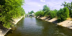 Novonikolsky irrigation canals 001.jpg
