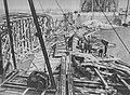 Odbudowa mostu Poniatowskiego 1945.jpg