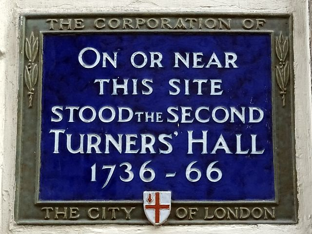 Blue plaque № 6236 - On this site stood the Second Turners' Hall 1736 - 66