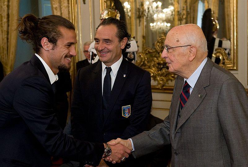 [Image: 800px-Osvaldo%2C_Prandelli_e_Napolitano.aspx.jpg]