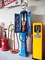 Oude Fina benzinepomp pic1.JPG