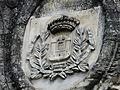 Périgueux rue Thermes portail Cordeliers armoiries.JPG