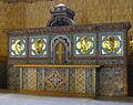 P1270073 Paris XVIII eglise St-Jean autel rwk.jpg