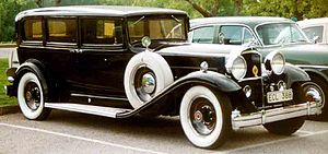 Packard Eight - Image: Packard De Luxe Eight 904 Sedan Limousine 1932