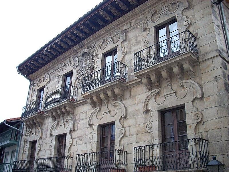 File:Palacio Zuloaga - Hondarribia.JPG