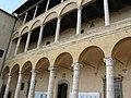 Palazzo piccolomini 01.jpg