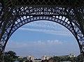 Paris, Eiffelturm, von unten 2008-06.jpg