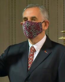 Pedro Francke. Juramentación de los ministros del Mef y Minjus 2-42 screenshot (cropped).png