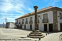 Pelourinho de Mesão Frio - Portugal (8165319015).jpg