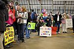 Peoria, Ill., soldiers home for Christmas 131214-Z-EU280-018.jpg