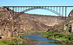 Perrine Bridge spanning the Snake River at Twin Falls, Idaho.jpg
