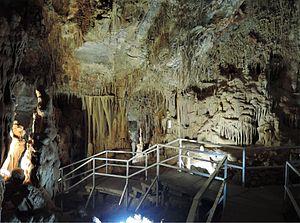 Petralona cave - Petralona cave tourist path