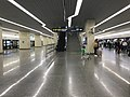 Platform of Hongqiao Railway Station (Line 2 & 17).jpg