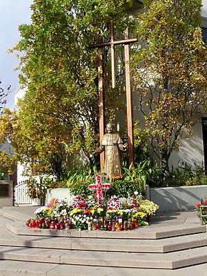 Polish Canadians - The Pope John Paul II statue, Toronto