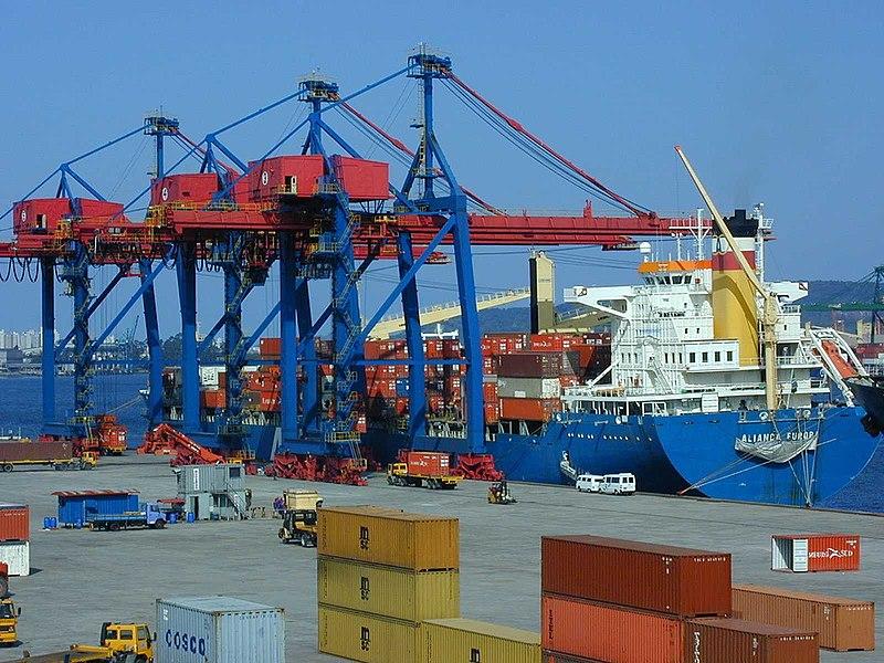 Ficheiro:Port Santos.jpg