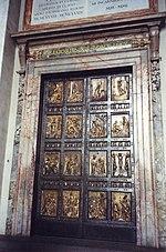 La Porta Santa della basilica di San Pietro.