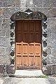 Porta da igrexa de Santa Comba de Rianxo.jpg