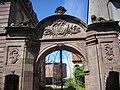 Portail des Saintignon (2).JPG