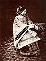 Portrait of a Shanghai lady, 1861-1864 (Vintage.es).jpg