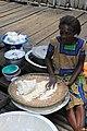 Préparation de la farine de cassave.jpg