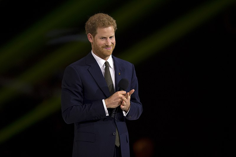 Prince Harry speaks during the opening ceremonies of the 2017 Invictus Games (37232242166).jpg