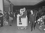 Prins Bernhard opende te Maastricht een nieuwe fabriek van de Koninklijke Nederl, Bestanddeelnr 915-2331.jpg