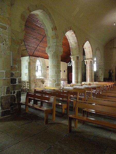 Église Saint-Beheau de Priziac (56). Costale sud de la nef.