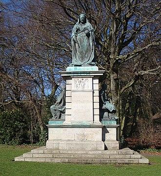 Alfred Turner (sculptor) - Queen Victoria Memorial in Endcliffe Park, Sheffield