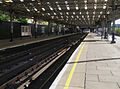 Queen's Park stn Bakerloo northbound look east.JPG