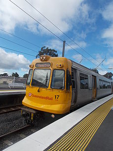 Queensland Rail EMU 17 at Bethania.JPG