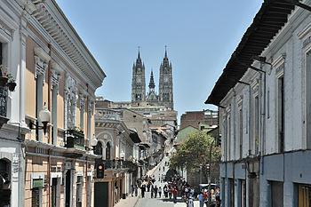 Quito calle Venezuela Basilica