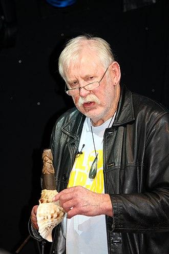 Richard Nunns - A pūtātara (conch horn)